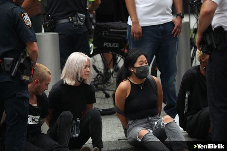 ABD'DE GÖÇMENLİK POLİTİKALARI KARŞITI PROTESTODA 50'DEN FAZLA GÖZALTI