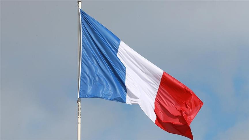 'YÜZYILIN ANLAŞMASI'NI ABD VE İNGİLTERE'YE KAPTIRAN FRANSA'DA TEPKİLER ÖFKEYE DÖNÜŞÜYOR